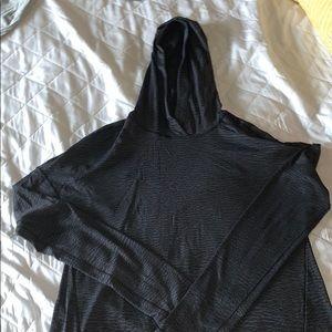 Lululemon thin black pullover Size 6